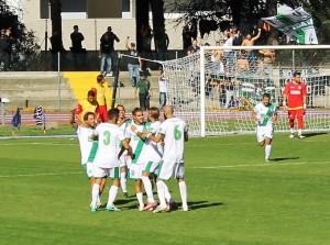 L'esultanza dopo il gol di Montagnoli