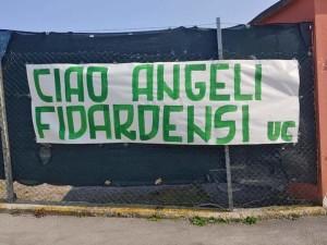 Lo striscione fuori dallo stadio degli Ultras Castelfidardo